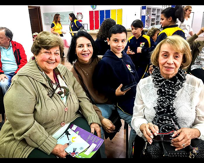 Colégio Carbonell recebe as avós para manhã especial