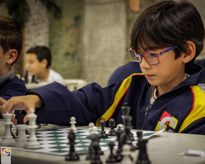 VI Torneio de Xadrez Carbonell recebe 80 participantes