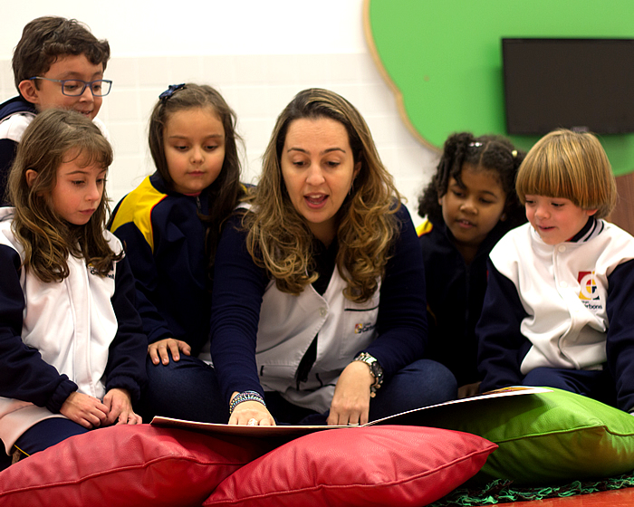 Carbonell Language Program prepara alunos para desafios globais