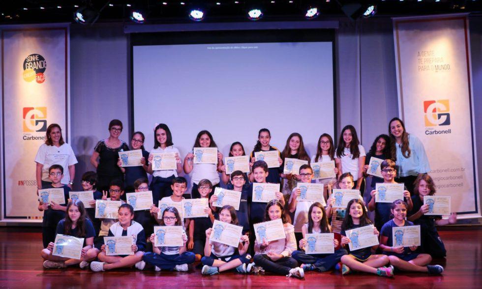 Inglês ampliado: estudantes de 5º e 9º anos do Ensino Fundamental recebem certificados do TOEFL