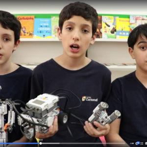 Curta alunos e professor falando em vídeo sobre nosso exclusivo Clube de Robótica