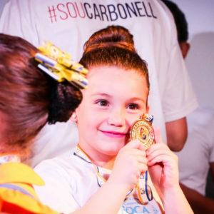 Apresentações de dança do IX Festival Olímpico Carbonell (FOCA) agitam auditório do Colégio Carbonell