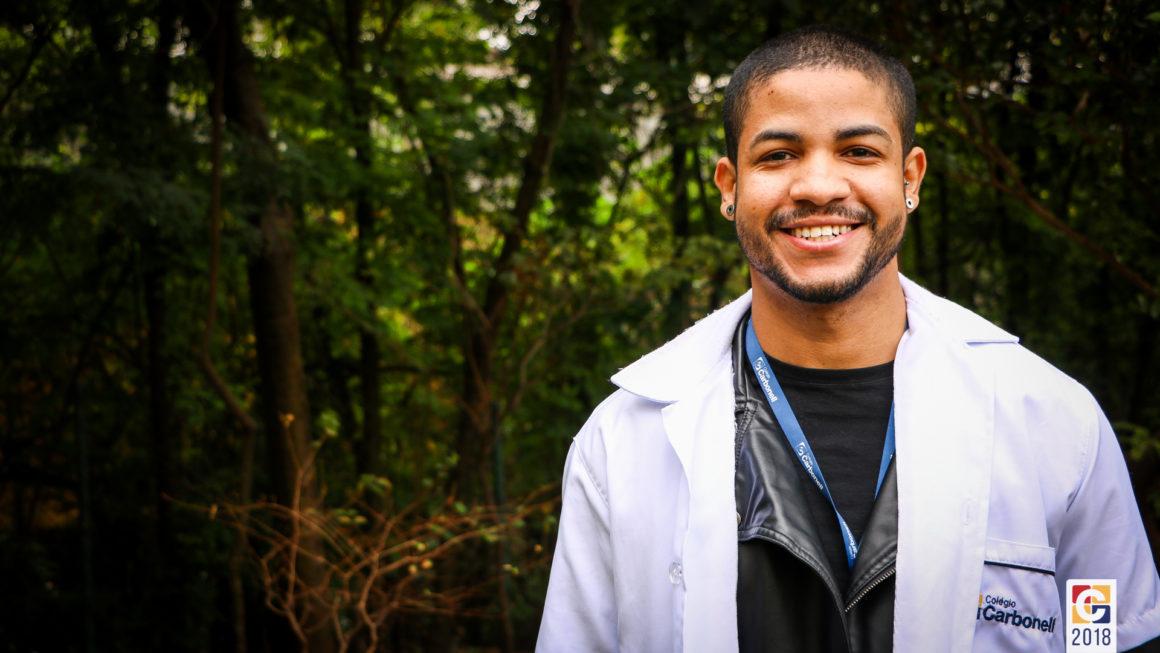 MaisCarbonell: Professor Maicon Miguel dá aula sobre o Descobrimento do Brasil