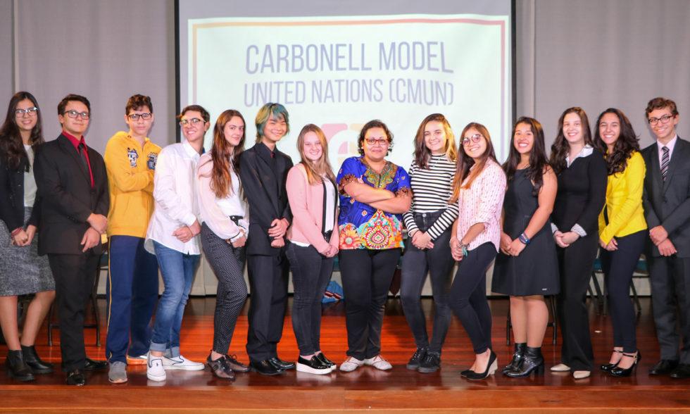 Grupo de alunos do Carbonell Model United Nations participam de SPMUN e Simula ETAPA; curta as fotos