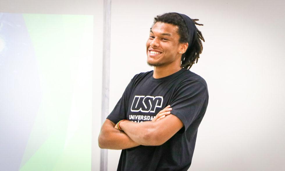 Estudante da USP formado na Turma 2017 visita Terceirão para uma conversa sobre sua trajetória de conquistas