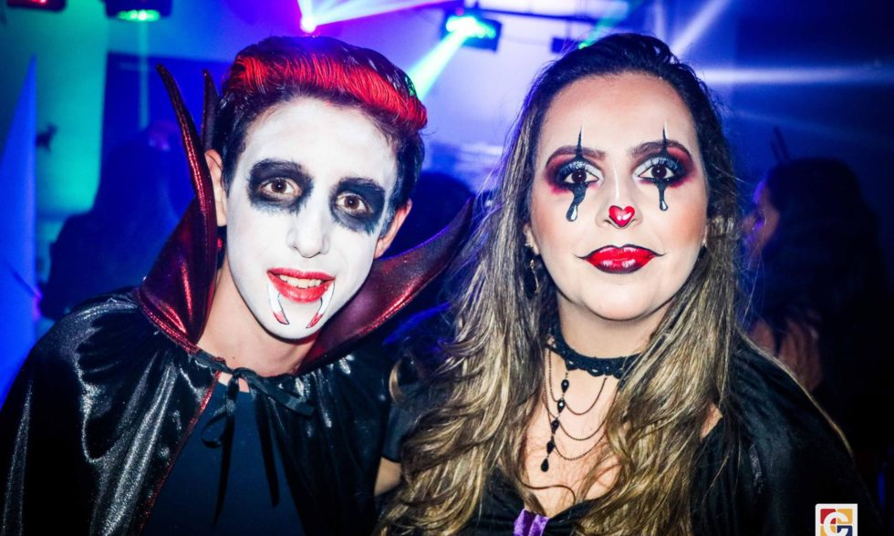 Semana do Halloween se inicia com o CarboNight em balada animadíssima e repleta de divertidas fantasias