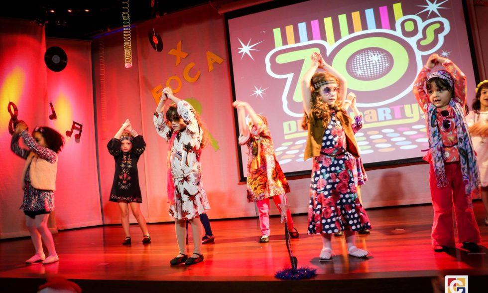 Um retorno ao passado marcou o evento de dança do Festival Olímpico Carbonell; curta lindas fotos