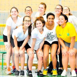 Festival Olímpico Carbonell: atletas foram à UCEG para partidas de futsal, vôlei e handebol