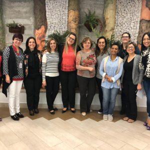 """""""Café com a Direção"""" promove bate-papo com famílias sobre assuntos pertinentes à Educação; conheça blog"""