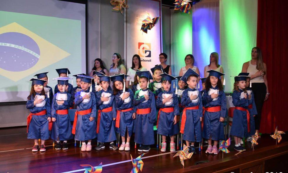 Aconteceu no palco do Colégio Carbonell a formatura das nossas crianças da Educação Infantil IV