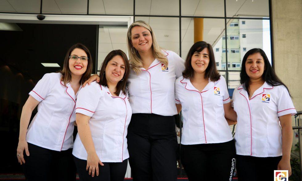 #EquipeCarbonell: que tal um álbum de fotos com a equipe que lhe dá boas-vindas no Carbonell?
