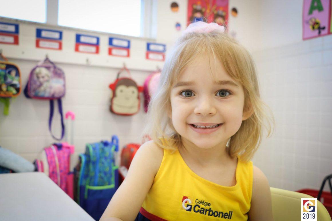 Volta às aulas! No primeiro álbum com alunos em 2019, imagens dos novos sorrisos circulando pelo Carbonell