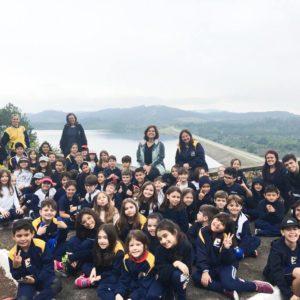 NASCENTE TIETÊ: Crianças do 2º e 3º anos do Ensino Fundamental I viajaram a Salesópolis para conhecer a nascente do Rio Tietê e a Barragem Ponte Nova