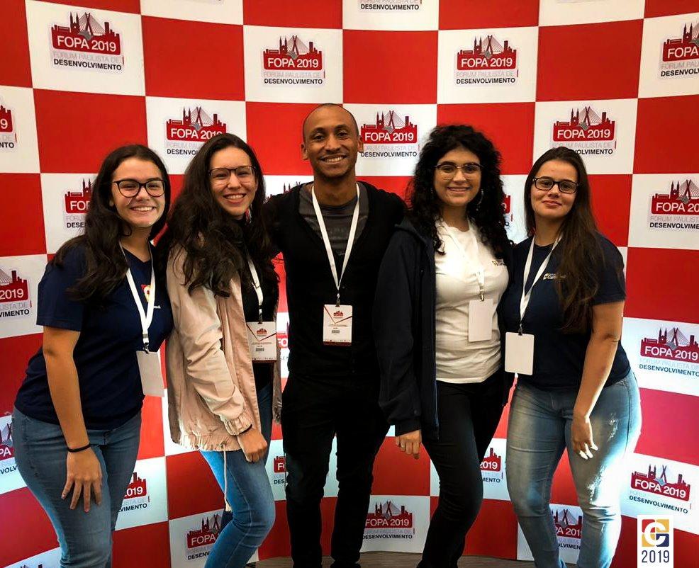 Estudantes do Ensino Médio representam Colégio Carbonell no Fórum Paulista de Desenvolvimento (FOPA)
