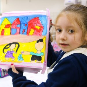 Mãos à obra! Alunos do Ensino Fundamental pintam Cândido Portinari em aula de artes; veja fotos
