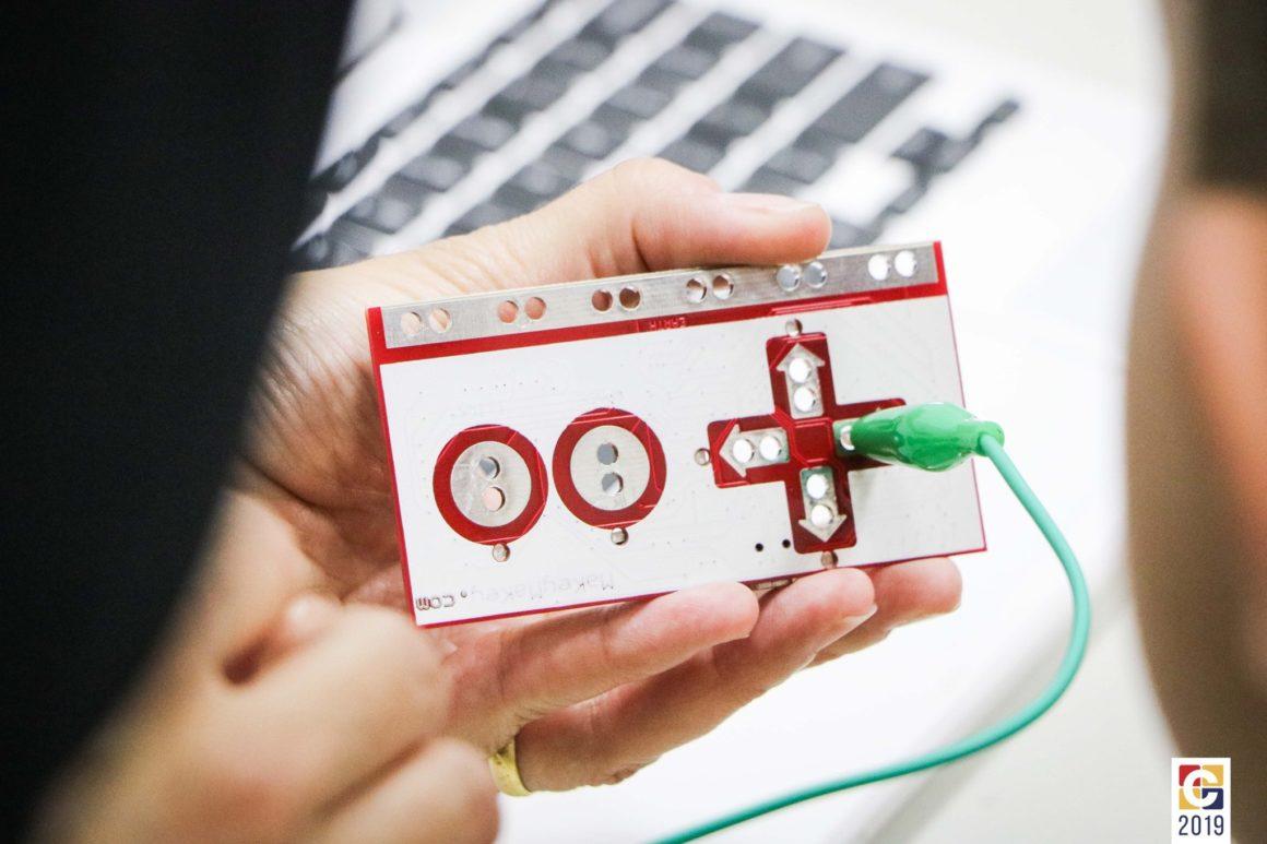 Colégio Carbonell realiza sua primeira edição do Scratch Day, projeto do MIT Media Lab; veja fotos