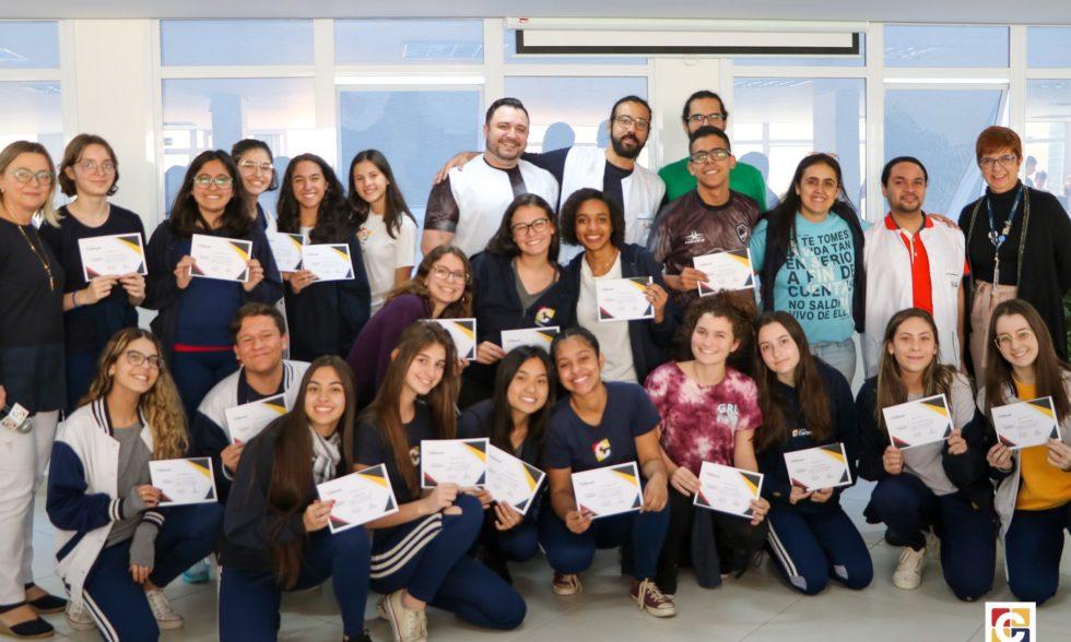 Estudantes do Ensino Médio recebem certificados por bom desempenho no Carbonell e na OBMEP