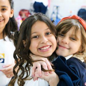 Sorrisos: clique e veja um álbum de fotos repleto de sorrisos, uma de nossas especialidades no Carbonell