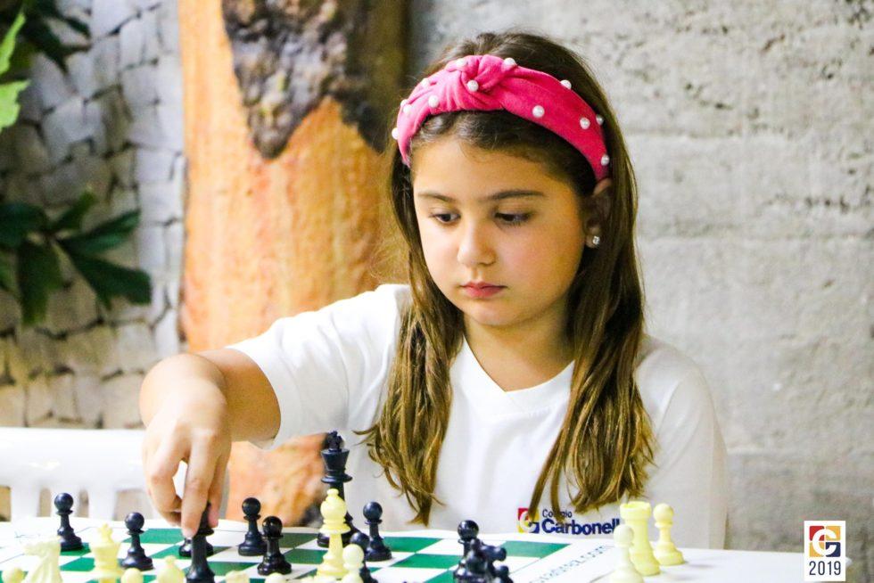 FOCA XI: Colégio Carbonell realiza Torneio de Xadrez e recebe 54 participantes representando diferentes escolas