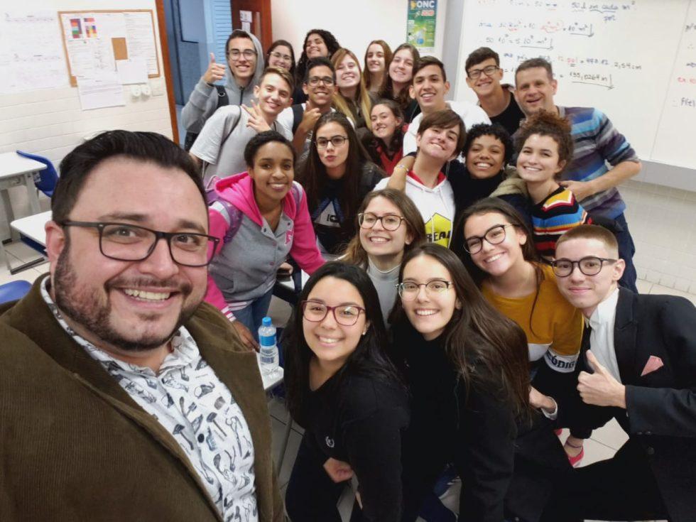 Corujão: em evento noturno e descontraído, estudantes do Ensino Médio se preparam prova do ENEM