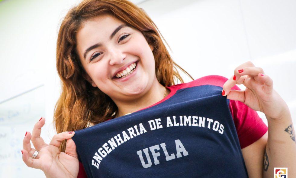 Luanna Benatti — ex-aluna da Turma 2016 — reencontra jovens do Ensino Médio para falar sobre carreira e futuro
