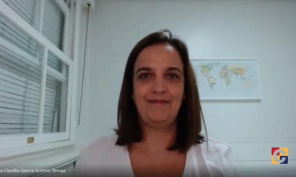 Em mais um encontro virtual com as famílias, Colégio Carbonell recebe profissionais do Projeto Dialogar