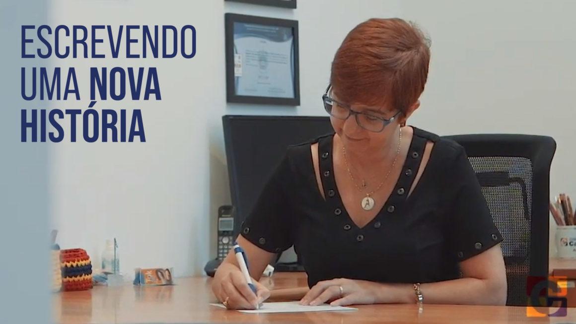 """""""Escrevendo Uma Nova História"""": assista ao vídeo de retomada das atividades presenciais no Colégio Carbonell"""