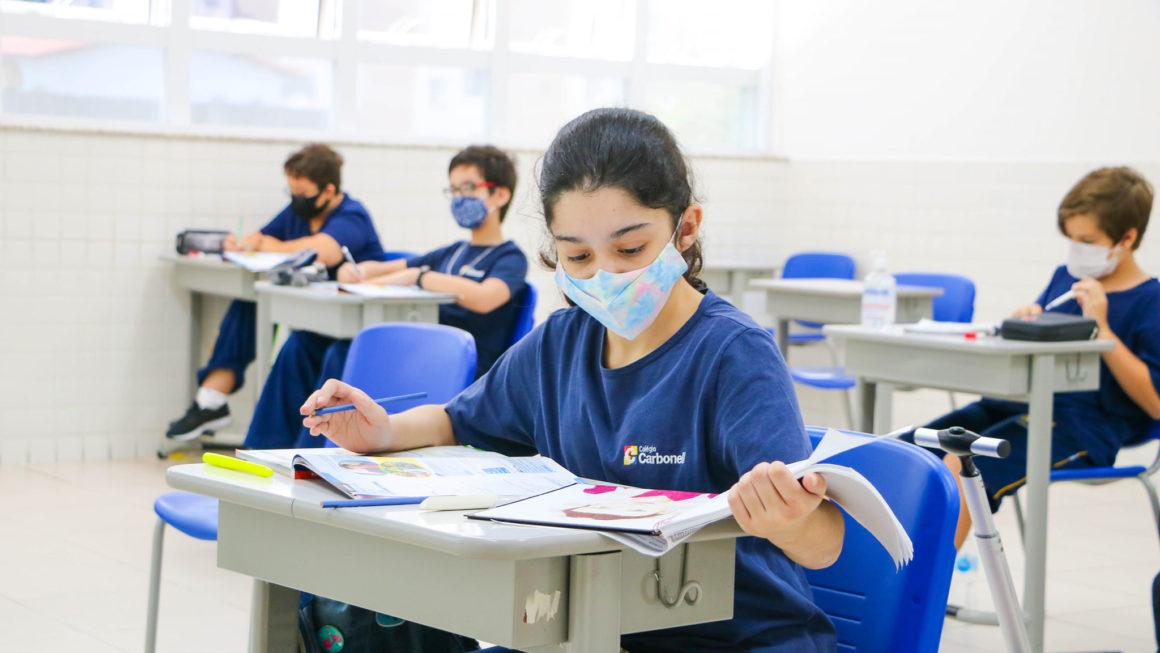 Retomada! Para turmas dos anos finais do Ensino Fundamental, o primeiro dia foi marcado pelo inglês.